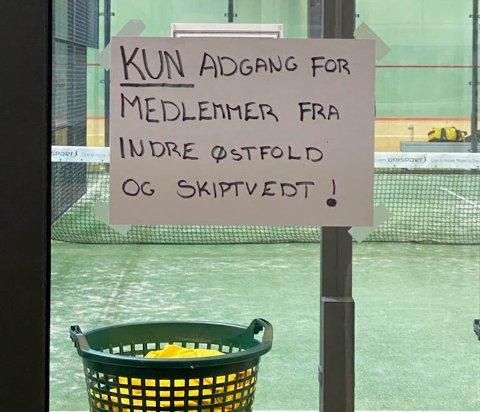 IKKE LOV: Senteret reklamerte for at medlemmer fra Skiptvet kunne komme å trene.