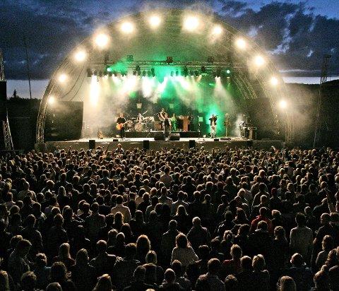 Folkekjære: Staut slipper en ny versjon av en av sine aller mest populære sanger, «Sjå Sole», før påske. Låten har blitt sunget med på av mang en publikummer, som her på Trollrock i 2013.