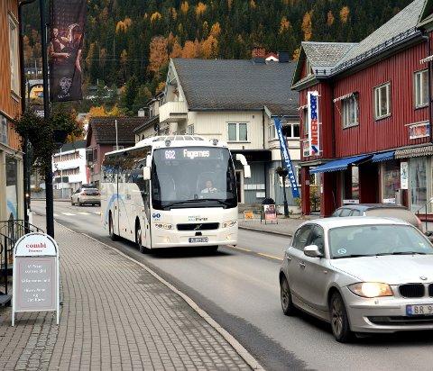 Overtek: I fjor overtok Trønderbilene AS rutetrafikken i Valdres. No har dei også vunne anbodet i Land, i konkurranse med nettbuss og JVB.