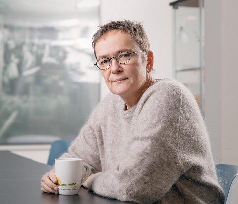Stiller spørsmål: Guri Heggem (Sp) stiller spørsmål om utredningen fra fådelt til todelt skole på Glåmos og i Brekken. (Foto: Tom Gustavsen)