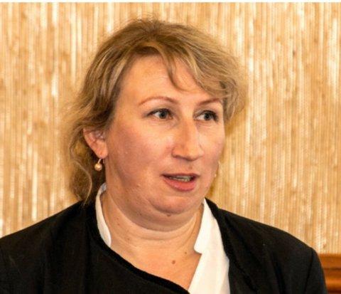 Teknisk sjef i Nordkapp kommune, Vera Iversen, er blant søkerne på stillingen i Sola kommune.