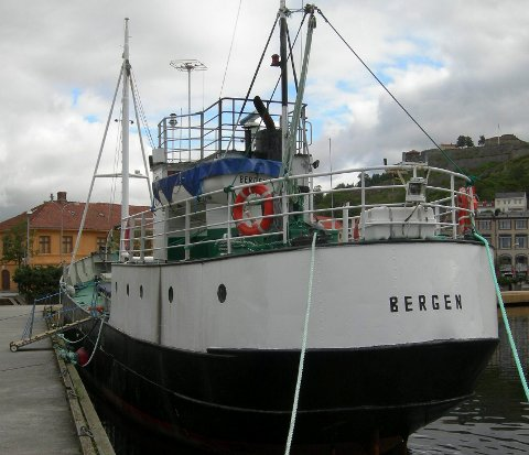 "I september 2006 kom ""Fredrikshald 1"" tilbake til Halden etter at det ble solgt til Bergen i 1957. I flere dager lå fartøyet i Indre havn. Arkivfoto."