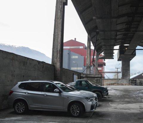«Parkeringshus»: SNU opplyser at Best har midlertidig leid disse plassene under Skalltaket. Foto: Ernst Olsen