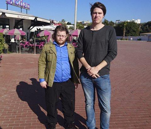 FIKK IKKE FORKLART SEG: Haugesunderen Jone Trovåg (t.v.) og kollega Jonas Strisland ble fortalt at de var uønsket i Sør-Marokko. FOTO: PRIVAT