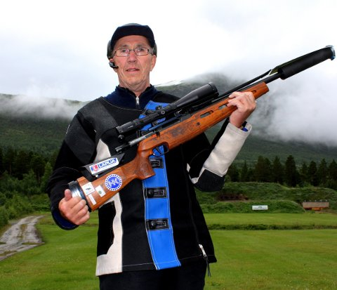 STARTER ONSDAG: Alf Tjønna skyter sin innledende skyting onsdag.