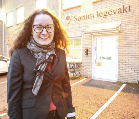 I gang med jobbingen: Ordfører Marianne Grimstad Hansen håper å få på plass en ambulanse i Sørum så raskt som mulig.Foto: anita Jacobsen