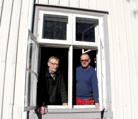 MYE JOBB: For Jan Gunnar Flannum (til v.) og Tom Amundsen ved Holmestrand museum. Foto: Lars Ivar Hordnes