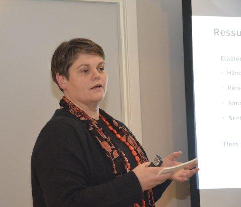 Orienterte: Janna Pihl, daglig leder i Kragerø Næringsforening, orienterte formannskapet om arbeidet i foreningen.