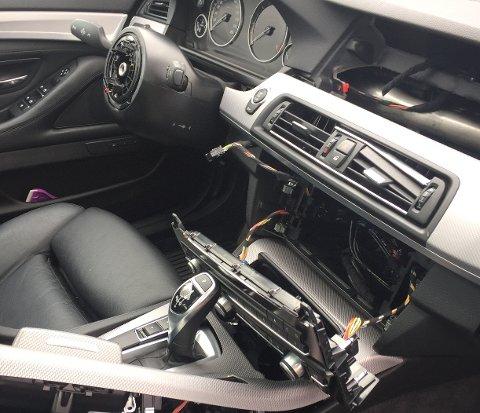TRIST SYN: Mange BMW-eiere har i det siste opplevd å finne bilen robbet for utstyr. Foto: Privat