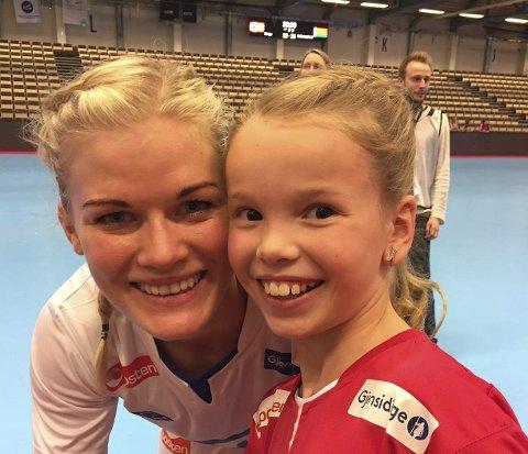 Landslagsspilleren Veronica Kristiansen kommer på besøk til Annika Jakobsen og Sørreisa mandag. Foto: Privat