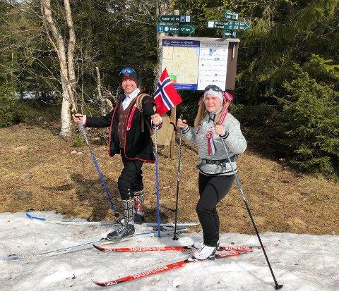 PÅ SKI: Frank Johansen og samboer Unni Kaspersen fra Nannestad brukte nasjonaldagen på å gå på ski opp til Marifjell.