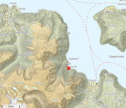 NATTESTENGT: Det skal arbeidast i Juvik (raudt punkt på kartet), noko som medfører nattestenging natt til onsdag og natt til torsdag.