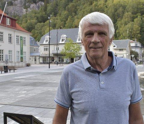 Positiv: Leder for samfunns-og miljløutvalget Jan Olaf Opsahl er innstilt å synes det er OK at folk kan bo på hytta si i Tinn,