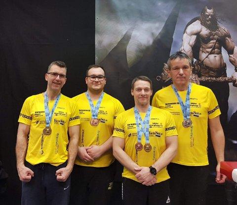 MEDALJEVINNARANE: Jølster Handbakklubb fekk i alt åtte medaljar i helga. F.v: Torbjørn Vollan, Tom Erik Berg, Jan-Erik Sunde og  Ottar Berg.