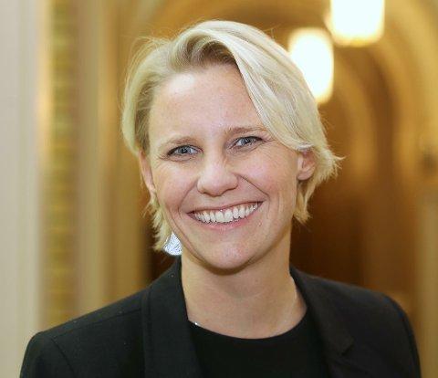 I SPØRRETIMEN: Maria Aasen-Svensrud i Arbeiderpartiets justiskommité er kritisk til at Norge leier soningsplasser i Nederland, når det står tomme, lukkede plasser i Vestfold.