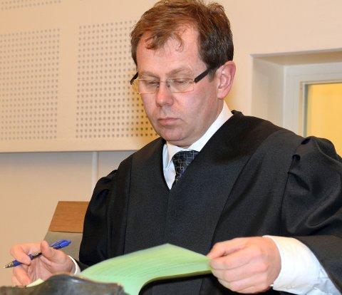 BA OM FENGSEL: Statsadvokat Thorbjørn Klundseter ba om ubetinget fengsel for guttene. Forsvarerne ba om frifinnelse, eventuelt samfunnsstraff. ARKIV
