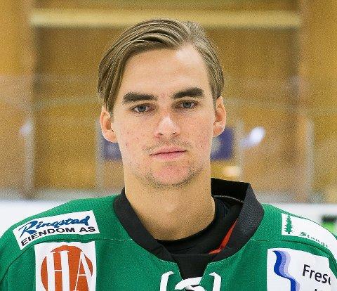 GLEDER SEG: - Jeg tror laget blir veldig bra i år, sier 22 år gamle Jacob Klang.