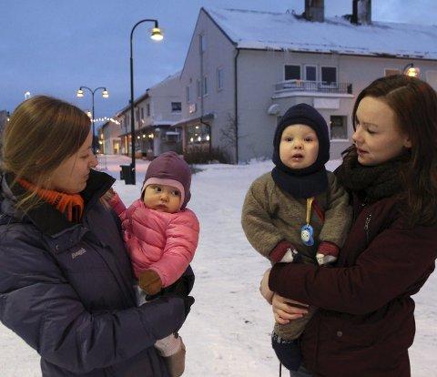 VIL UT I JOBB: Både Ine Malinen og Dyveke Kvammen Holsbø vil ut i jobb fra nyttår.Nå har politikerne funnet penger som sikrer Vilja Malinen (9 måneder) og Markus Holsbø Enge (1 år) barnehageplass.