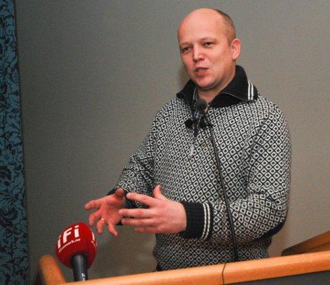 OMKAMP: Sp-leder Trygve Slagsvold Vedum på besøk i Vadsø i fjor.