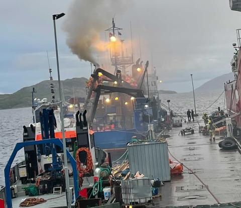 BRANN: Det skal være åpne flammer fra båten.