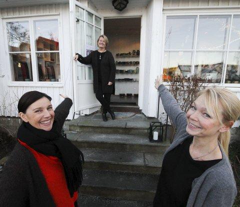 Overtar: Damene foran; Tonje Mostad (53) og Monica Fløgstad (47), overtar driften av Galleri Soon, etter Marianne Helle (60). Begge foto: Silje Louise Waters