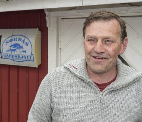 – VÆR OPPMERKSOM: Per Idar Vingebakken oppfordrer folk som ferdes i utmark til å ta hensyn til beitedyr og holde god avstand.