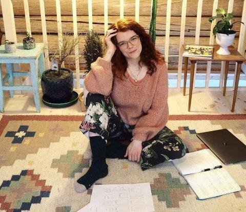 LANGE ARBEIDSDAGER: Mari Melilot ser frem til å publisere sin femte bok.