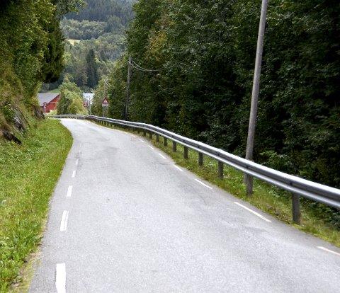 Nordsideveien er en av veiene i Surnadal som nå blir en del av et annet kontraktsområde for drift og vedlikehold av vei.. Foto: Tor Helge Solli