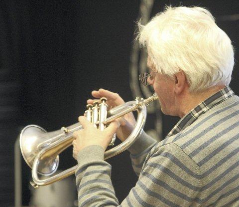 TROMPET: Jon Erik Gjelten er også denne gangen med på trompet.