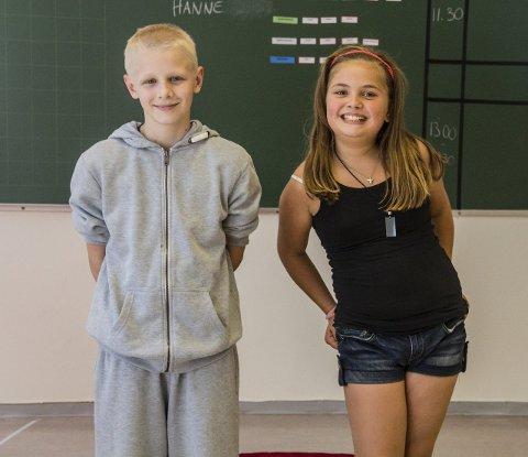 SKODVIN MONTESSORISKULE: Gabriel Kjeilen (12) og Helene Hauge (11) har gleda seg til å ta fatt på ein ny skulekvardag. – Det tar sikkert litt tid å koma inn i alt det nye, men eg trur det vert lettare å lære nye ting no, seier Gabriel. FOTO: Irene b. Jenssen
