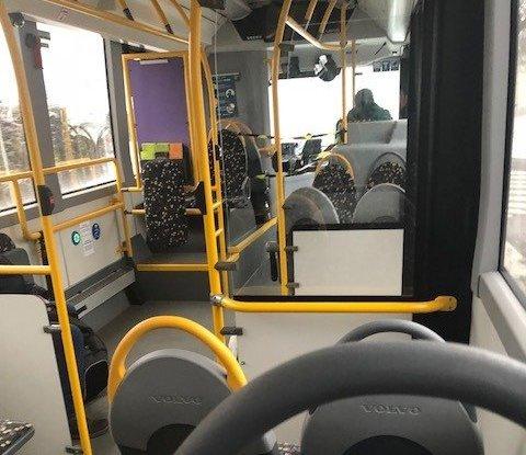 Bussene kjører få passasjerer i koronaens tid.