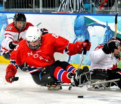 Kjelkehockeyspiller Thomas Jacobsen kan vinne Østfoldprisen.