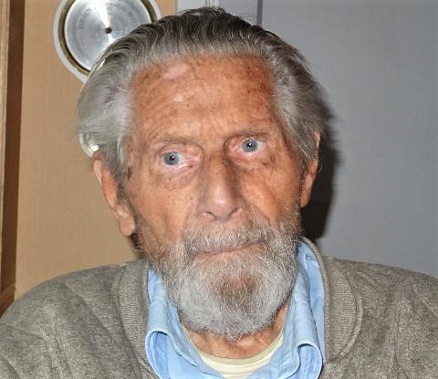 100 ÅR: Flaggkommandør og krigsveteran Otto Almrost fra Horten fyller 100 år 13. juli.