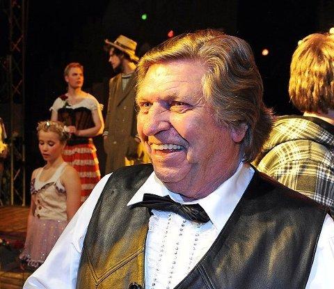 HUMØRFULL: Arild Arnardo på premieren av «Arnardo før Arnardo» i Kulåsparken i Sarpsborg i 2012.