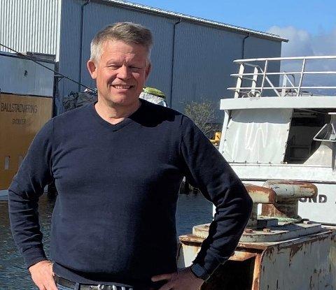 Daglig leder Roger Abrahamsen på Ballstad slip, som nå skal bygge og bygge om båter for å gjøre fiskeflåten mer bærekraftig.