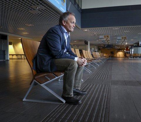 Tungt: Tirsdag 31. januar var siste dag på jobb for adm.dir. Pål Tandberg på Moss lufthavn. - Politikerne ofret oss.  De forsto ikke hva flypassasjeravgiften innebar. Det er bittert.