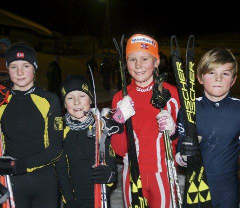 EN OG TO: Raufoss IL mix-lag ble vinnere av 11-12 årsklassen, og på laget er fra venstre, Kaja Stende og Sivert Dragerengen. Brandbu IF sikret andre plass ved søskenparet Mali og Ulrik Jåvoll Hagen.