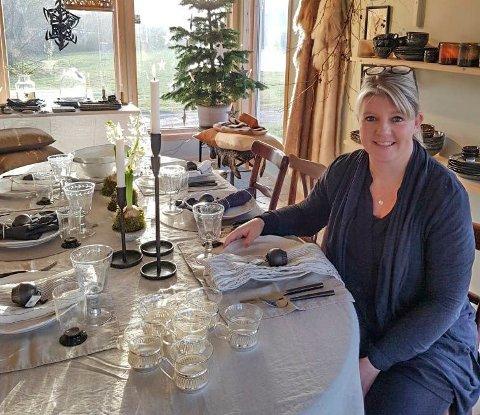 OPTIMISTISK: Daglig leder av Åpent Hav på Haugsjordet, Linda Ellefsen, ser for seg at høsten og vinteren kommer til å gå bra for butikken.