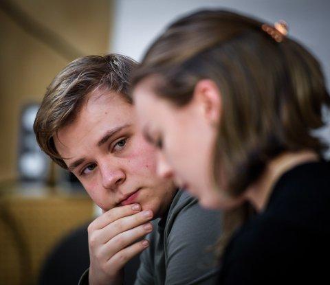 Joakim Hansen er elev ved dramalinja og har rollen som Markus.
