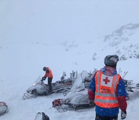 Røde Kors på Kvamskogen håper folk forstår Hjelpekorpset arbeid. Dette bildet ble tatt under en vinterøvelse på Såta.