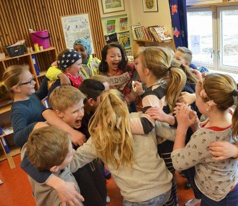 VINNERGLEDE: Det rådet liten tvil om at sjetteklassingene var glade for å ha vunnet konkurransen.