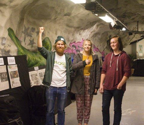 Feiring: Henrik Næss Diesen (til venstre), Martine Rustad og Stian Andersen feiret Rockehusets 20 år i Rødsberget på selveste Halloween-kvelden. alle foto: Kristine aas