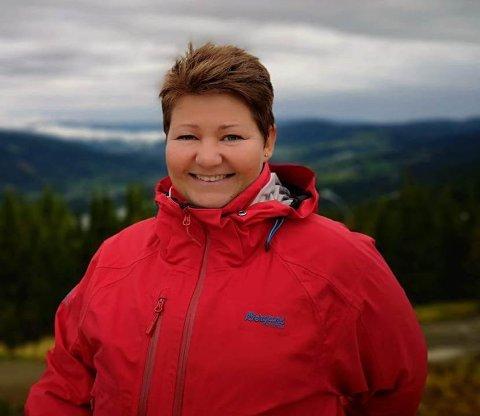 Etter 23 år i det offentlige helsevesen, startet Elin Skogly Prima Assistanse for fem år siden.