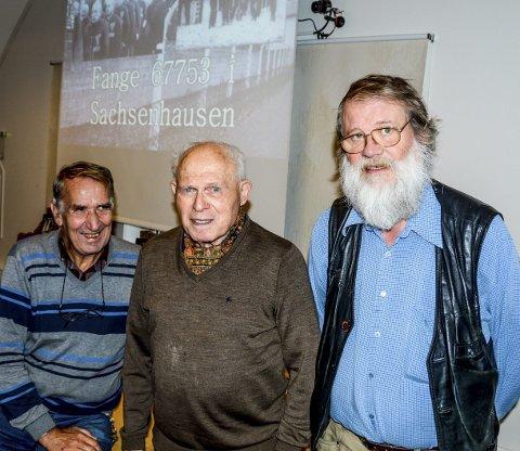 Viktig: I filmen forteller Torstein Axelsen (94) fra sin tid som konsentrasjonsfange i Sachsenhausen. Til venstre Roy Isnes, og til høyre Bjørn Bremdal som har laget dokumentarfilmen om «Krigsfange 67753».
