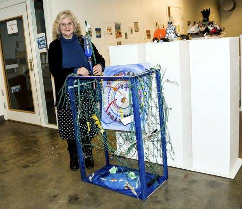 Gi naturen førstehjelp: Sandra Evan er sykepleier av yrke. Hun har kalt kunstverker for «Circel of life».