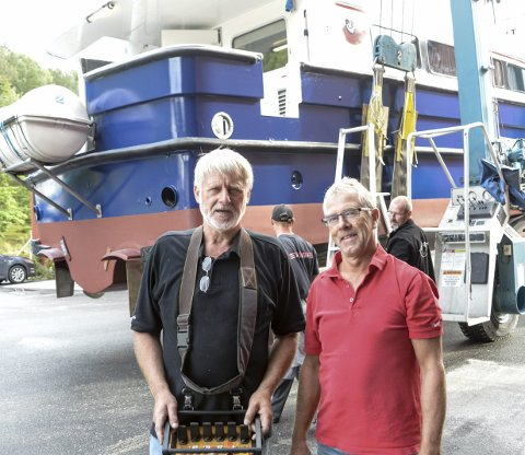 FORNØYDE: Terje Kiil og Tommy Edvardsen er begge fornøyde med oppdraget.