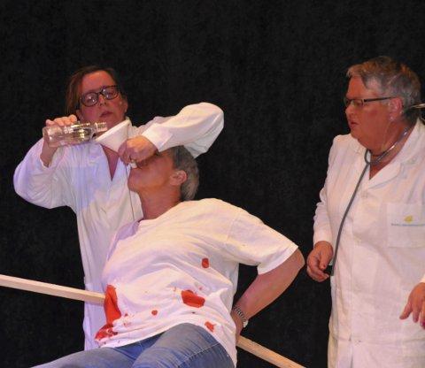 Moro: Teaterlaget har helt ny revy klar, her fra revyen i 2015.Arkivfoto