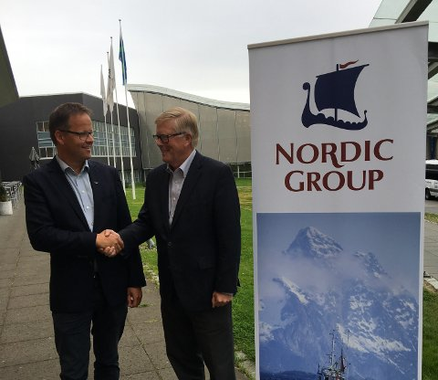 Enige: Administrerende direktør Sigvald Rist i Insula AS (t.v) og Terje Korsnes tidligere styreleder og majoritetseier i Nordic Group er enige om at Insula overtar eierskapet i Nordic Group og AS Båtsfjordbruket