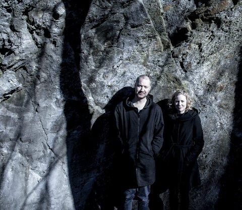 FOLK: Vi forsøker å vri på gamle norske myter og forklare dem uten overtro, sier duoen Gullberg og Balducci.