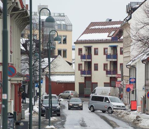 ØKT TRAFIKK: Trafikken har økt i Øvre Torvgate viser tellinger.
